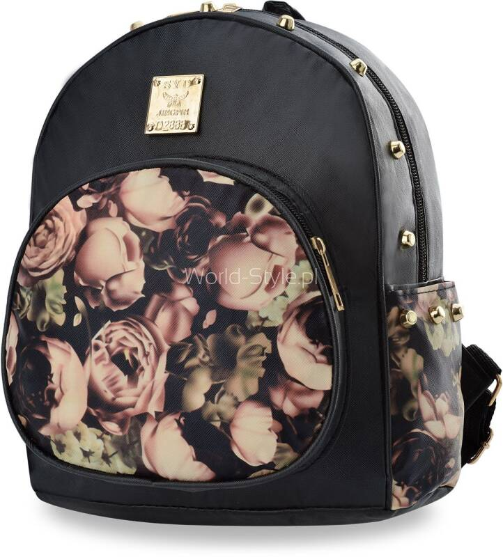 6fc604d0e91b7 Niepowtarzalny damski plecaczek miejski z modnym kwiatowym nadrukiem oraz rockowym  akcentem w postaci ćwieków. Wykonany z lekkiej, a zarazem wytrzymałej ...