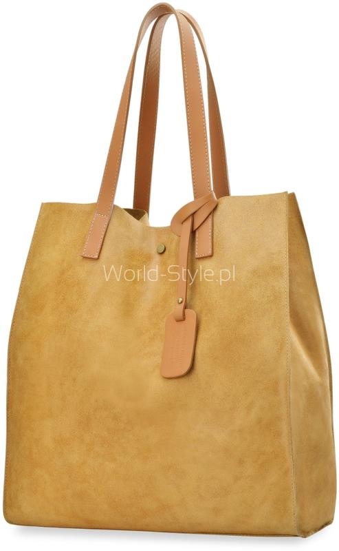 c68a711108ba5 Shopperka wykonana została z najwyższej jakości włoskich materiałów  imitujących postarzany look oraz wykończona detalami w kolorze antycznego  złota.