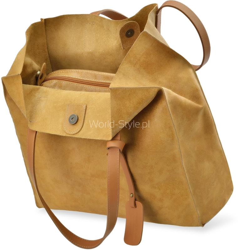 27b530cd7a6eb Skórzana torebka o luźnym fasonie worka. Shopperka wykonana została z  najwyższej jakości włoskich materiałów imitujących postarzany look oraz  wykończona ...